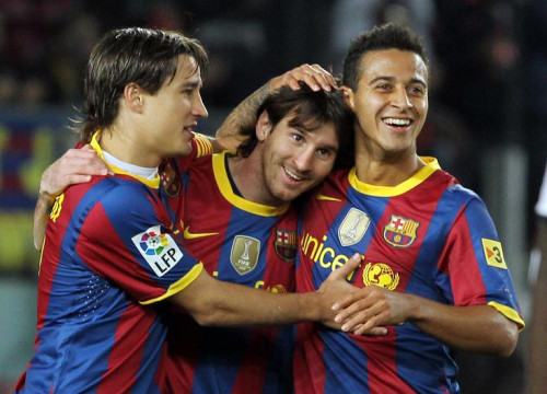 Messi is congratulated by his team mates after scoring Barça's fifth goal (by FC Barcelona)