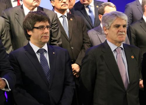 The Catalan President Carles Puigdemont with the Spanish Foreign Affairs Minister, Alfonso Dastis (by ACN)