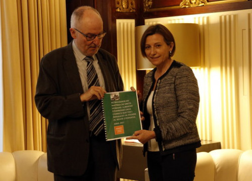 The Ombudsman of Catalonia, Rafael Ribó, presented his report to the President of the Catalan Parliament, Carme Forcadell (by ACN)