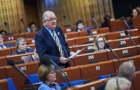 British conservative Roger Gale during the debate at PACE (by PACE)