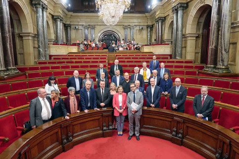 Members of the parliamentary delegation with Catalan Parliament President Carme Forcadell (by Diplocat)