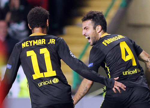 Cesc Fàbregas celebrating his goal against Celtic with Neymar (by FC Barcelona)