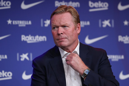 Ronald Koeman during his first press conference as FC Barcelona manager (by REUTERS/Albert Gea)