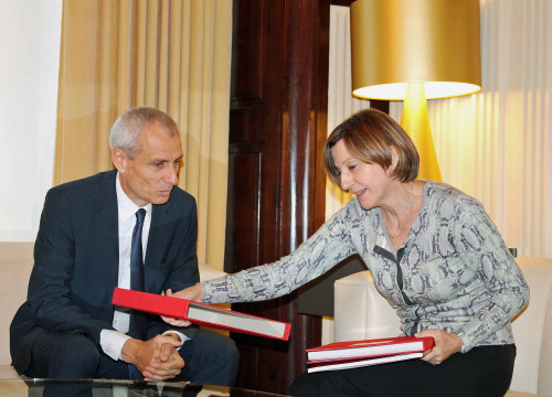 The Swiss ambassador to Spain, Thomas Kolly met this Friday with the Parliament's President, Carme Forcadell (by ACN)