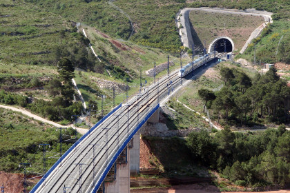 A bridge of a high-speed railway
