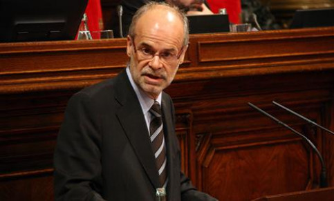 Minister of Economy, Antoni Castells, at Parliament
