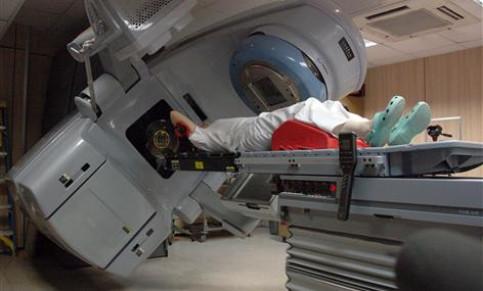 A demonstration of the functioning of the new radiotherapy equipment of the ICO