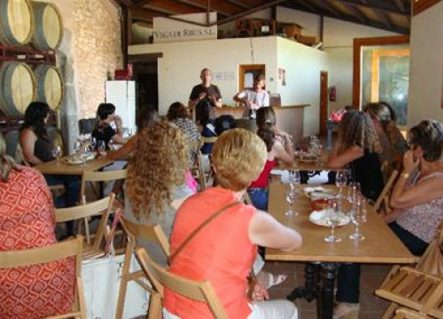 A wine tasting in El Garraf