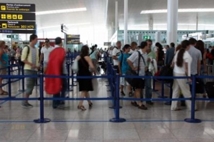 People in the Barcelona airport