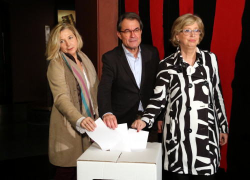 Former Catalan President, Artur Mas, former vice-president Joana Ortega and former Catalan Minister for Education, Irene Rigau, during a press conference before facing trial over 9-N symbolic referendum (by ACN)