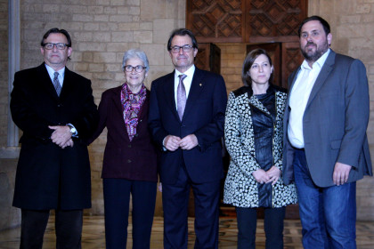 Catalan President Artur Mas and ERC leader Oriol Junqueras, with the presidents of the AMI, Òmnium Cultural and the ANC (by ACN)