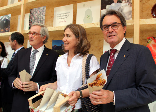 The Catalan President, Artur Mas, with the acting Mayor of Barcelona, Xavier Trias, and the chef Ada Parellada