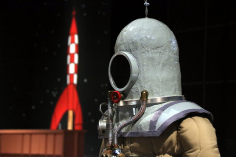 A Tintin space suit replica at the exhibit 'TinTin and the Moon' on December 17 2018 (by Pere Francesch)