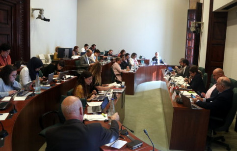 A Catalan parliament social affairs committee meeting with minister Chakir el Homrani (by Pol Solà)