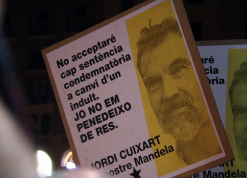 A sign in support of Cuixart at a demonstration for the release of him and Jordi Sànchez on October 16 2018 (by Miquel Codolar)