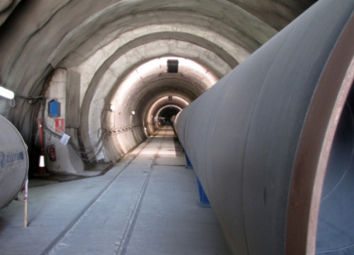A tunnel with a water pipe run by ATLL in Greater Barcelona (by P. Solà)