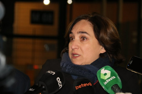 Ada Colau speaks to the media outside Lledoners prison on January 11 2019 (by Gemma Aleman)