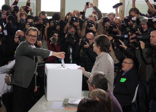President Mas voting at 9N non-binding and symbolic referendum in 2014 (by ACN)