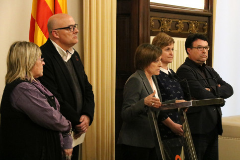 Parliament's President, Carme Forcadell, together with the members of the Parliament's Bureau (by ACN)