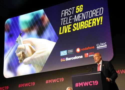 CEO of Mobile World Capital Barcelona Carlos Grau speaks at the conference before the first 5G tele-mentored live surgery on February 27 2019 (Mar Vila)