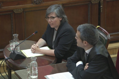 Mireia Boya and her lawyer in the witness stand at the Supreme Court