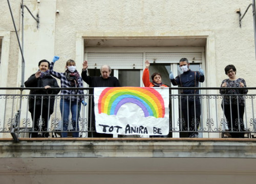 Ca n'Aleix care home residents and staff in Tàrrega during lockdown (by Anna Berga)