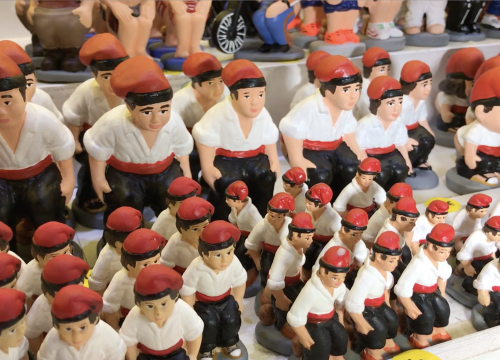 Caganer figurines at the Santa Llúcia market in Barcelona in December 2018 (by ACN)