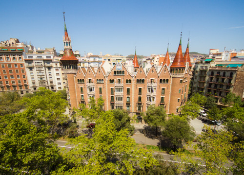 The modernist building 'Casa de les Punxes' standing in the middle of Barcelona's Avinguda Diagonal (by ACN)