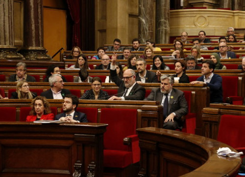 Catalan MPs during the vote on amendments to the budget (by Bernat Vilaró)