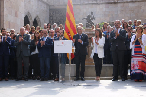 Catalan government officials at an event commemorating the 2-year anniversary of the referendum (by Bernat Vilaró)