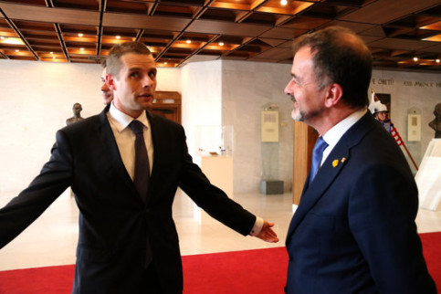Catalonia's foreign action minister, Alfred Bosch, and vice president of the Slovak parliament, Martin Klus on October 17, 2019 (by Guifré Jordan)