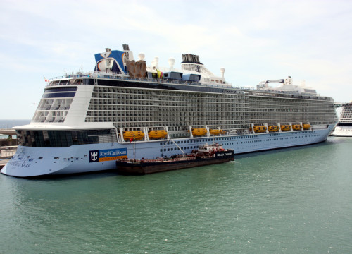 The 'Anthem of the Seas' docked in Port de Barcelona