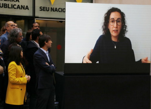 ERC secretary general Marta Rovira, currently in Switzerland, on a screen at a party act on March 22 2019 (by Sílvia Jardí)