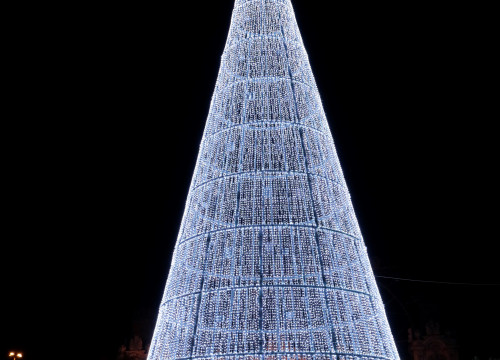The 31 meters Christmas tree in Barcelona (by Port Vell)
