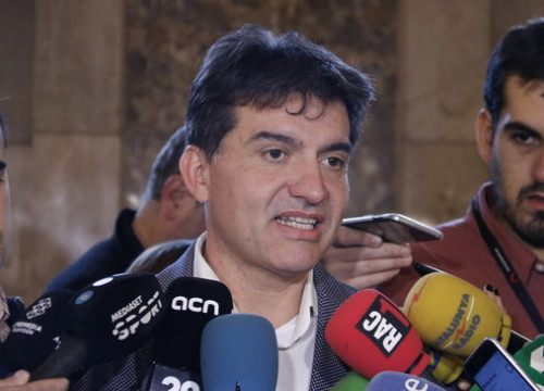 Esquerra's Sergi Sabrià speaking to the press on December 11, 2019 (by Gerard Artigas)