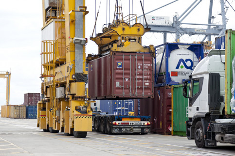 Freight traffic at Barcelona's Port (by ACN)