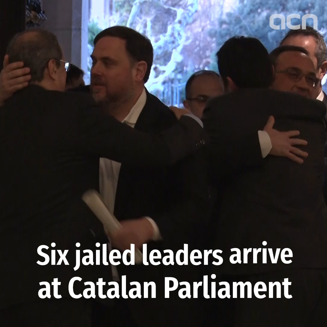 Six jailed leaders arrive at Catalan parliament