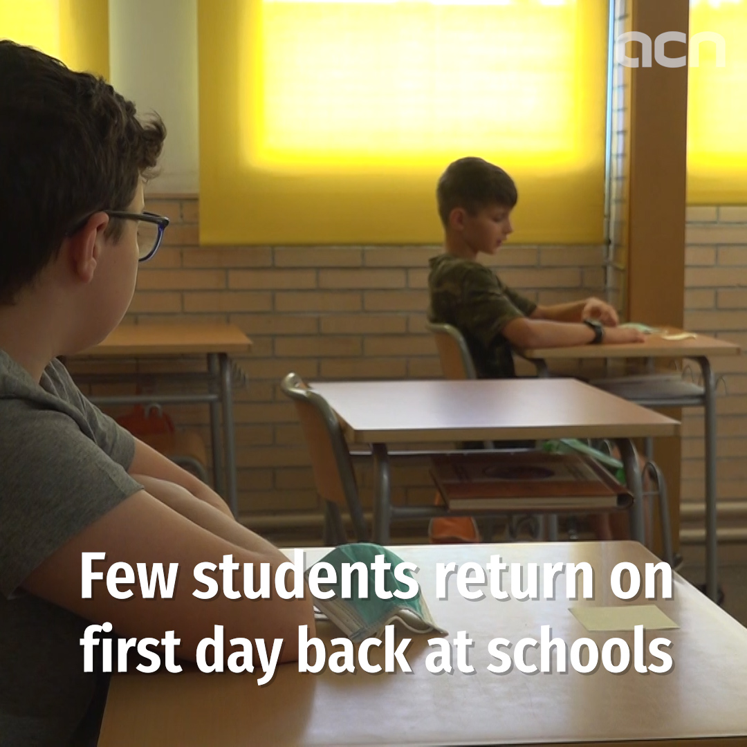 Schools reopen with few students