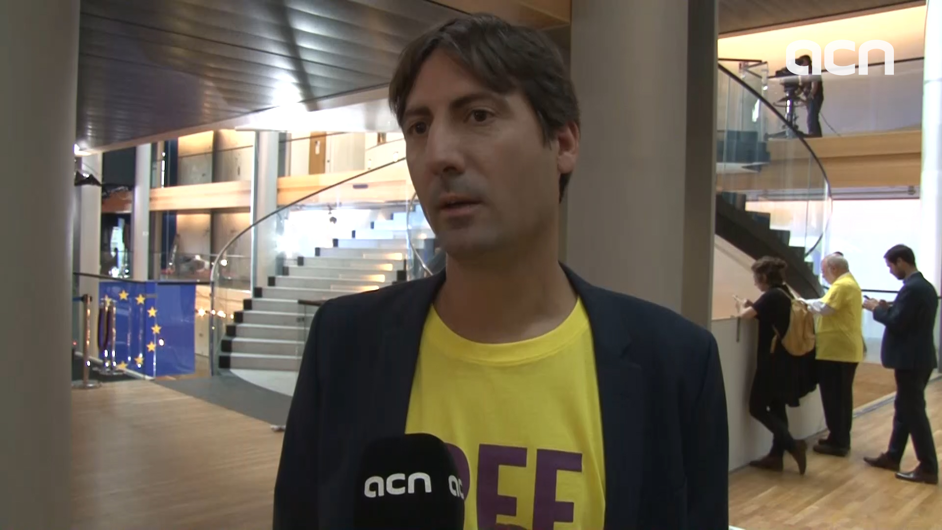 MEP Jordi Solé speaks to the Catalan News Agency