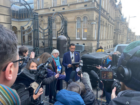Former Catalan minister Clara Ponsatí and her lawyer, Aamer Anwer, speaking to the press in Edinburgh outside a courthouse on December 12, 2019 (by ANC)