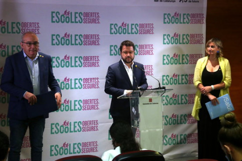From left to right: Catalan education minister Josep Bargalló, vice president Pere Aragonès and health minister Alba Vergés on June 29, 2020 (by Maria Belmez)