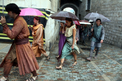 Actors from 'Game of Thrones' ready for the shooting in Girona (by ACN)