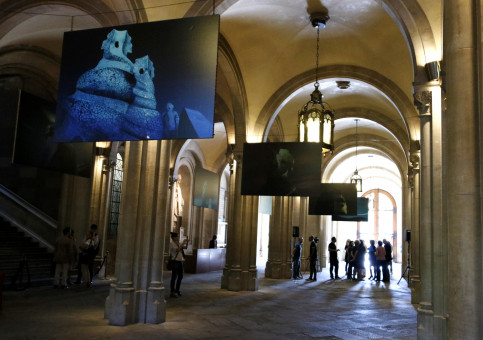 Gaudí's photo exhibition at Barcelona's University Hall (by ACN)