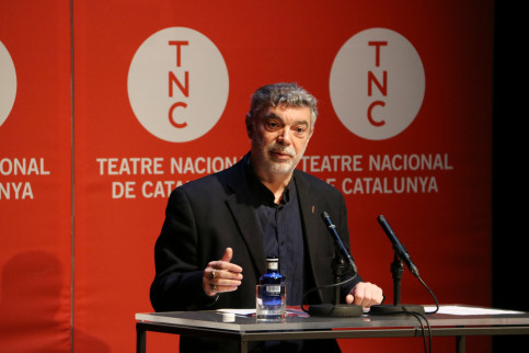 Head of Teatre Nacional de Catalunya, Xavier Albertí, presents the theater's new season on May 28 (Pau Cortina/ACN)