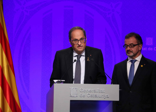 Catalan president Quim Torra (center) and foreign minister Alfred Bosch (by Alan Ruiz Terol)