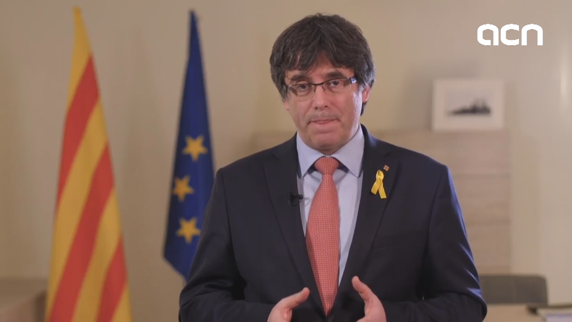 Carles Puigdemont steps aside as presidential candidate