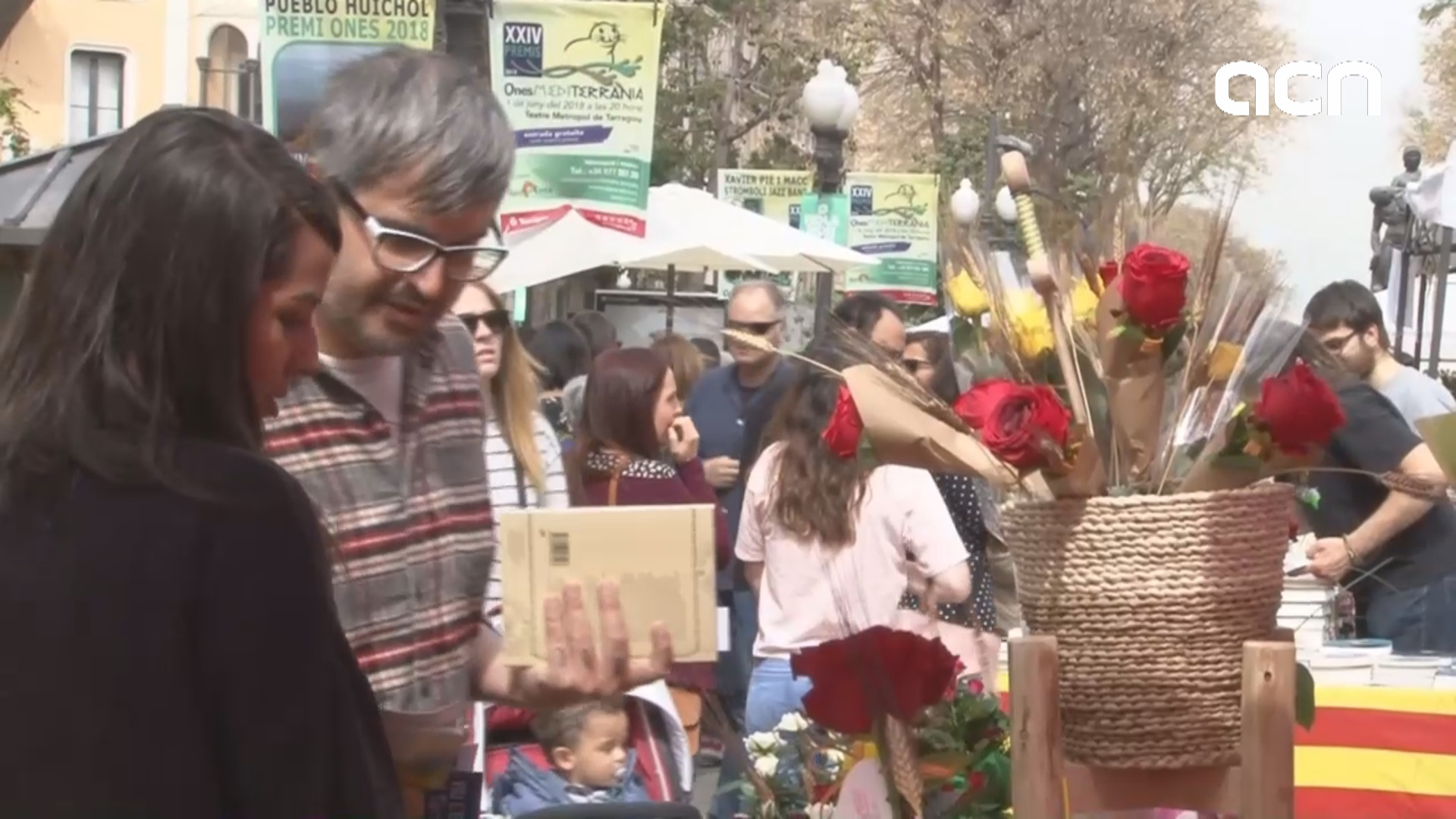Love, books, roses and a festive atmosphere on Sant Jordi