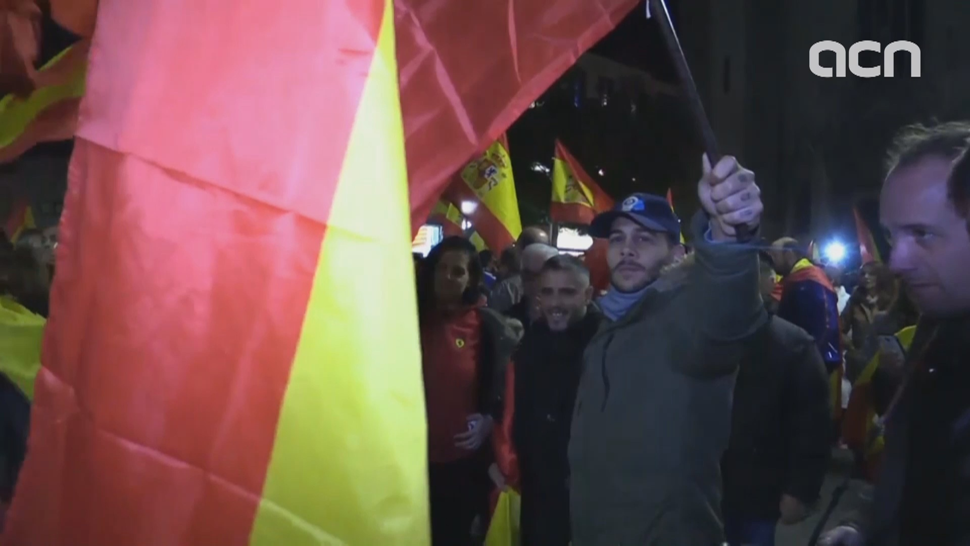 Press had to be escorted out of a Spanish unity march in Sabadell for safety