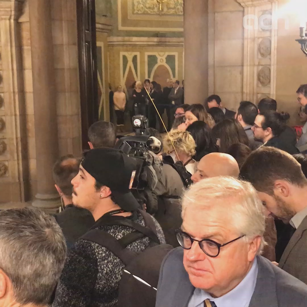 Six jailed leaders arrive at Catalan parliament for investigative committee