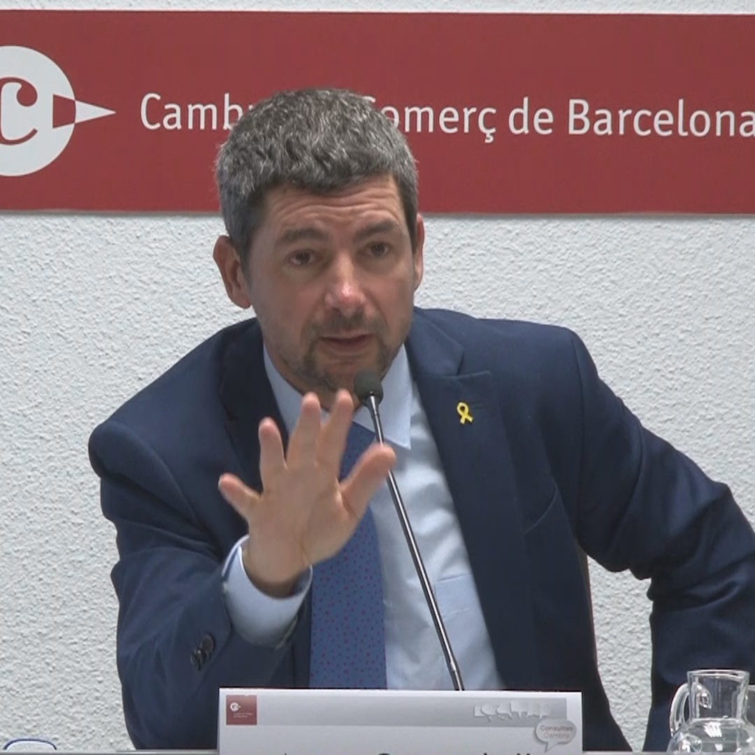 Barcelona Chamber of Commerce president says there are not yet enough indicators to say there's a crisis